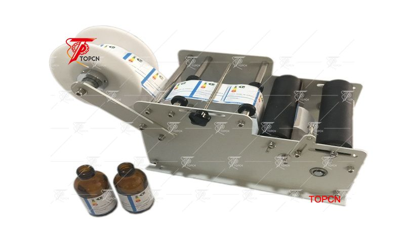 Spain Customer ordered Round bottle small manual hand operated labeling machine